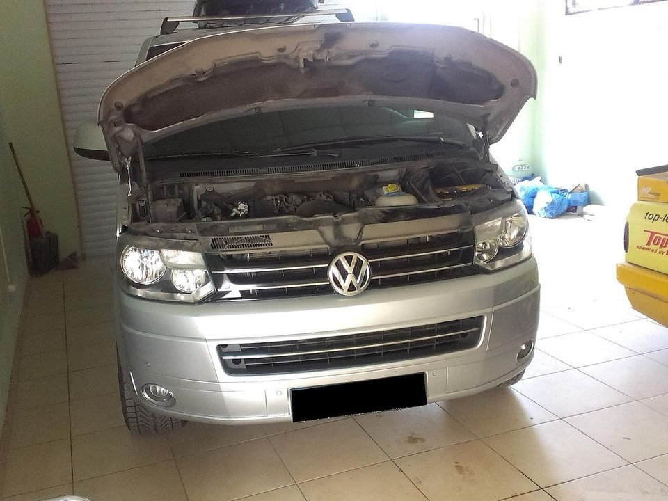 VW Multivan(T5) 2.0 CR TDI